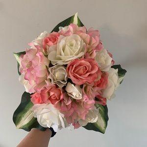 Bouquet / Faux Flowers / Pink + White